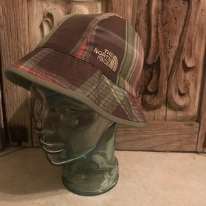 Women's The North Face reversible bucket hat